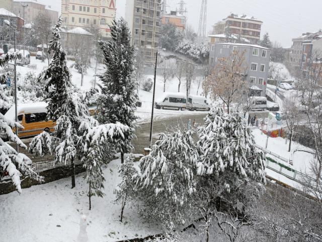 İstanbul beyaz gelinliğini giyindi