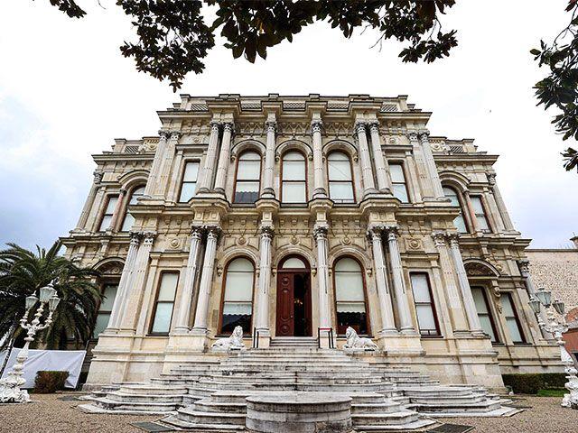 Boğaz'a nazır 156 yaşındaki Beylerbeyi Sarayı, özel tekniklerle restore ediliyor