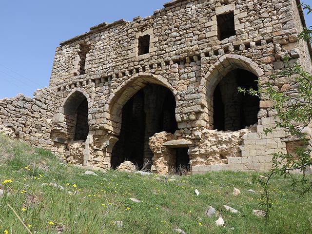 Diyarbakır'da tarihi Meryem Ana Manastırı turizme kazandırılmayı bekliyor