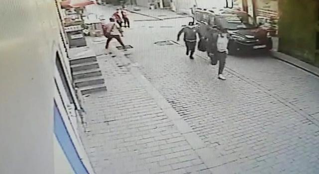 İstanbul'da soygun girişimi! Hırsızlardan 3'ü polis çıktı!