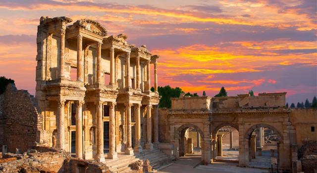 İzmir, Türkiye'deki dijital turizm altyapısını tamamlayan ilk şehir oldu