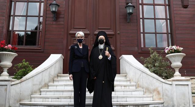 Tugay Uluçevik soruyor: Vatikan hayali mi?