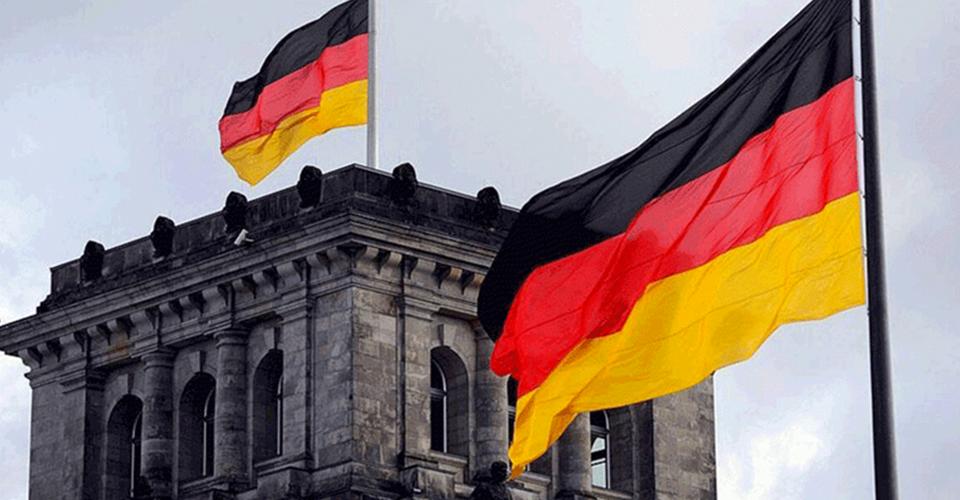 Almanya'dan iki aşıya vize engeli