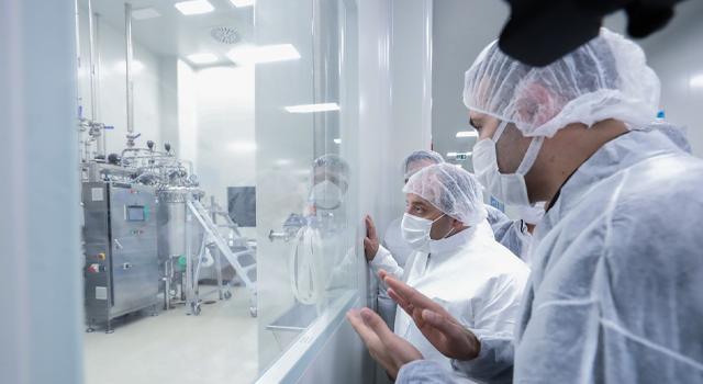 """Bakanlıktan yerli aşıda kullanılan """"adenovirüs"""" açıklaması"""