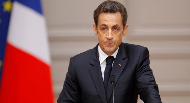 Eski Fransa Cumhurbaşkanı Sarkozy'ye 6 ay hapis cezası talebi