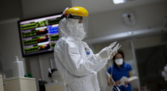 Türkiye'de koronavirüs: Vaka ve vefat sayıları düşüyor