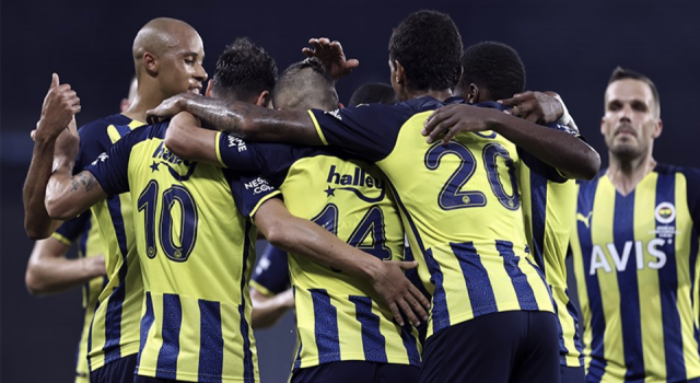 Fenerbahçe hazırlık maçında Dinamo Kiev'le 1-1 berabere kaldı