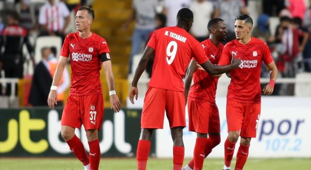 Sivasspor'un, Dinamo Batumi ile oynayacağı maçın kamp kadrosu açıklandı