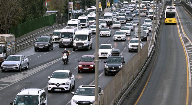 İstanbul'da sabah saatlerinde trafik yoğunluğu yüzde 53'ü gördü