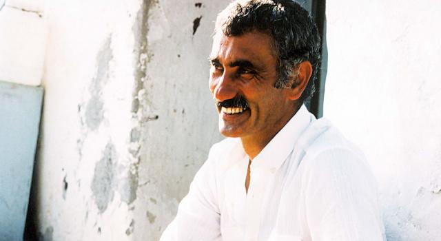"""Türk sinemasının """"Çirkin Kral""""ı Yılmaz Güney vefatının 37. yılında anılıyor"""