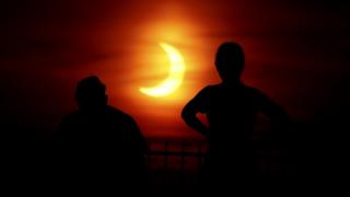 """""""Ateş Çemberi"""" olarak adlandırılan güneş tutulması gerçekleşti"""