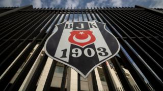 Beşiktaş Kulübü, Burak Elmas'ı kutladı