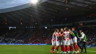 Hırvatistan 1 gol farkla turladı, İskoçya veda etti