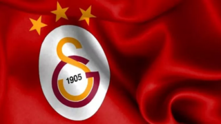 Galatasaray'da transfer yasağı kapıdan döndü!