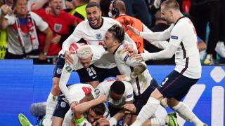 İngiltere duvarı uzatmada yıktı, finale çıktı