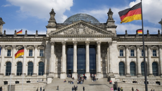 Almanya'da her yıl 400 bin göçmene ihtiyaç var, Asgari ücret 1.530 euro