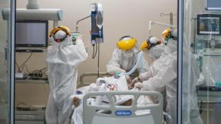 Brezilya'da koronavirüs nedeniyle 300 gazeteci hayatını kaybetti