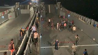 Termik Santral çevresindeki vatandaşlar donanma gemisiyle tahliye edildi