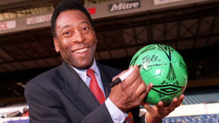 Brezilyalı efsane futbolcu Pele yoğun bakım ünitesinden çıkarıldı
