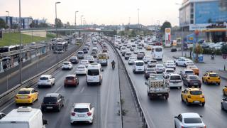 İstanbul'da sabah saatlerinde trafik yoğunluğu yüzde 58'i gördü