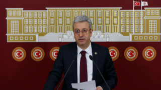 """CHP'li Antmen'den Cumhurbaşkanı Yardımcısı Oktay'a """"TÜGVA"""" sorusu"""